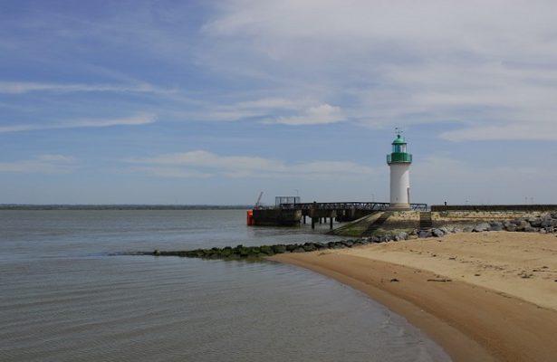 Croisière sur la Loire phare de Paimboeuf