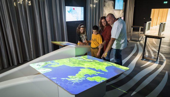 famille active le dispositif interactif espace découvrir Terre d'estuaire
